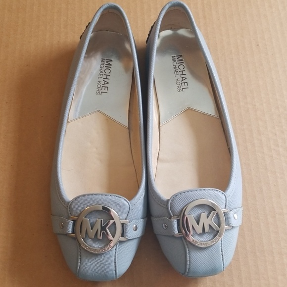a306fe90ce9a Michael Kors Baby Blue Leather Logo Flats. M 5b70a266194dad5e508eaed1